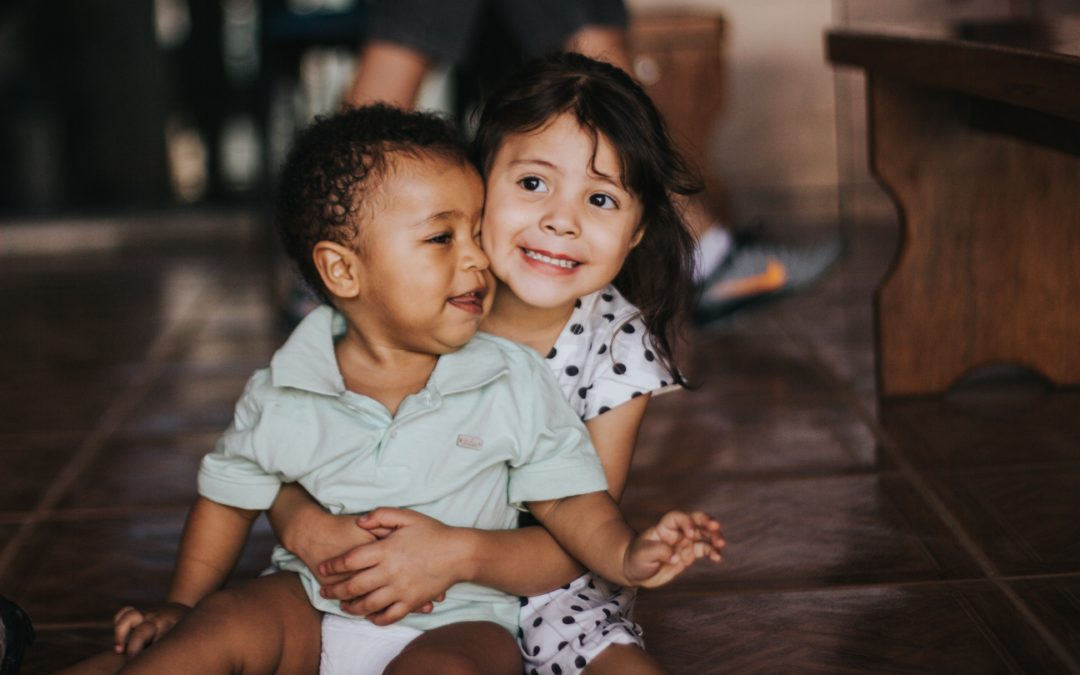 Adopción y racismo: Cómo proteger a los niños de comentarios racistas